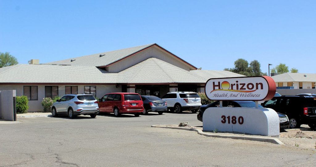 The front side of the Yuma Clinic building located at 3180 East 40th St, Yuma, AZ 85365.