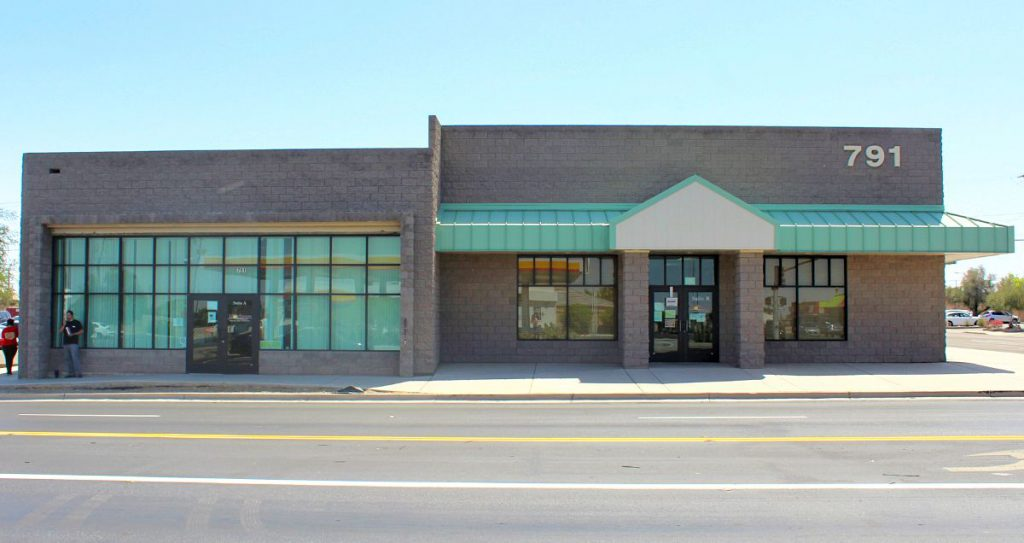 The front side of the Yuma Clinic building located at 791 South 4th Ave, Yuma, AZ 85364.